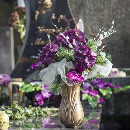 servizi e arredi funebri Arlena di Castro, Tuscania nella provincia di Viterbo, Tuscania, Arlena di Castro, ma anche in Italia e all'estero