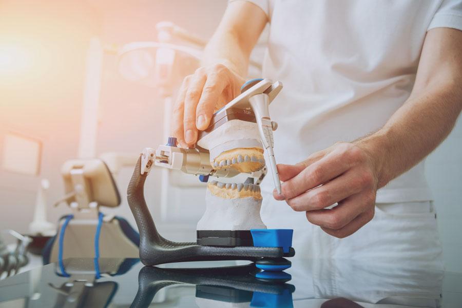 implantologia caneva