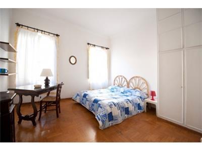 camera da letto matrimoniale monolocale Trastevere Roma centro