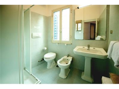 bagno monolocale Trastevere Roma centro
