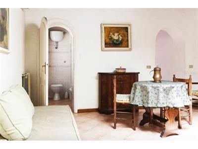 bilocale soggiorno centro storico roma