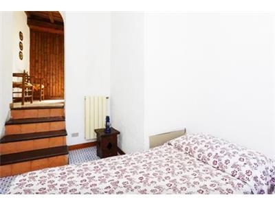 bilocale camera da letto centro storico roma