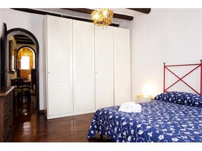 camera da letto bilocale trastevere Roma centro