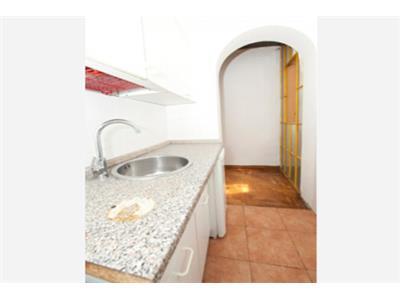 cucina bilocale trastevere Roma
