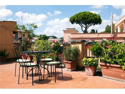 bilocale con terrazza panoramica trastevere Roma