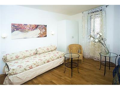 trilocale soggiorno campo de' fiori roma