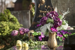 Decorazione floreale funeraria
