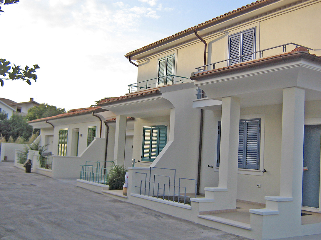 esterno case
