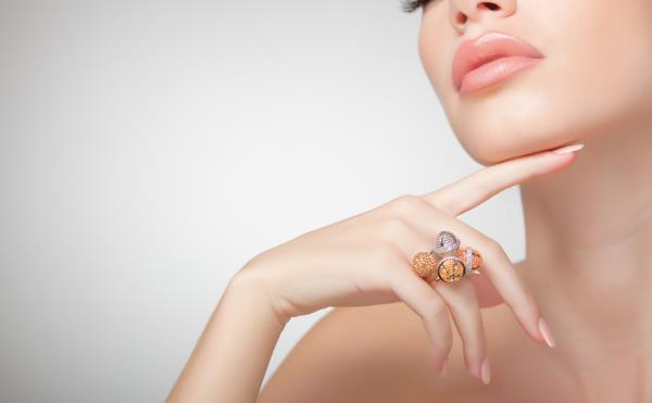 Acquistare gioielli e orologi gioielleria online