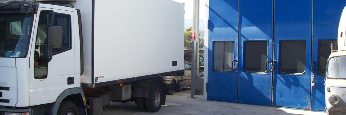 Verniciatura auto furgoni autoveicoli Imperia | Autocarrozzeria La Foce