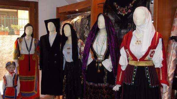 costumi tradizionali Nuoro