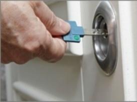 Pronto intervento fabbro Parma; installazioni chiudi cancello Parma; riparazione serrature Parma