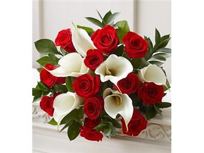 bouquet calle e rose rosse