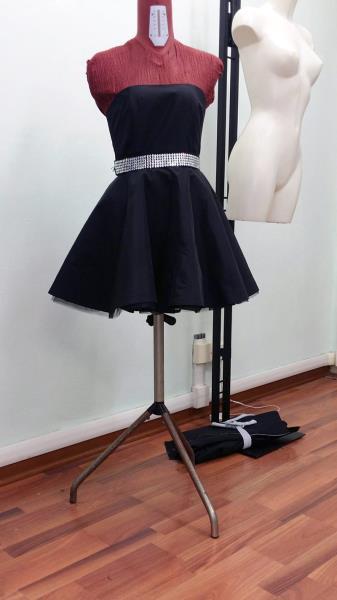 vestito corto nero