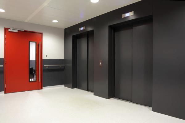 Manutenzione ascensori, montacarichi, servoscale
