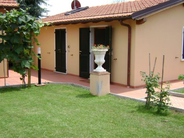 bed & breakfast in Sarzana