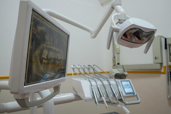 Sbiancamento dentale Erchie (Brindisi)