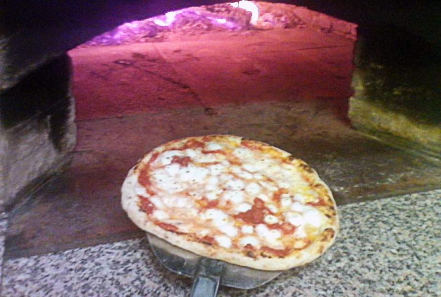 pizzeria forno a legna Viterbo