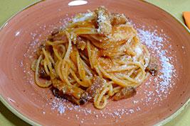 Spaghetti amatriciana trattoria tipica Romana Roma corso trieste