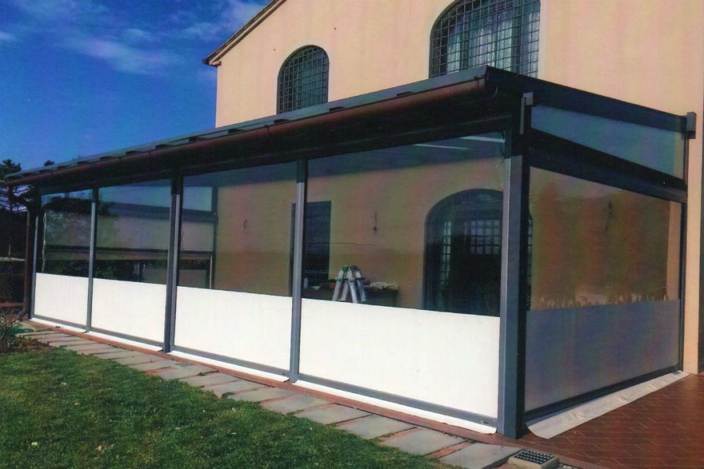 Strutture Esterne Tende da Sole Sgherri a Lucca