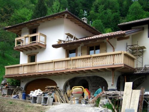 realizzazione balconi su misura in legno | Nimis | Udine