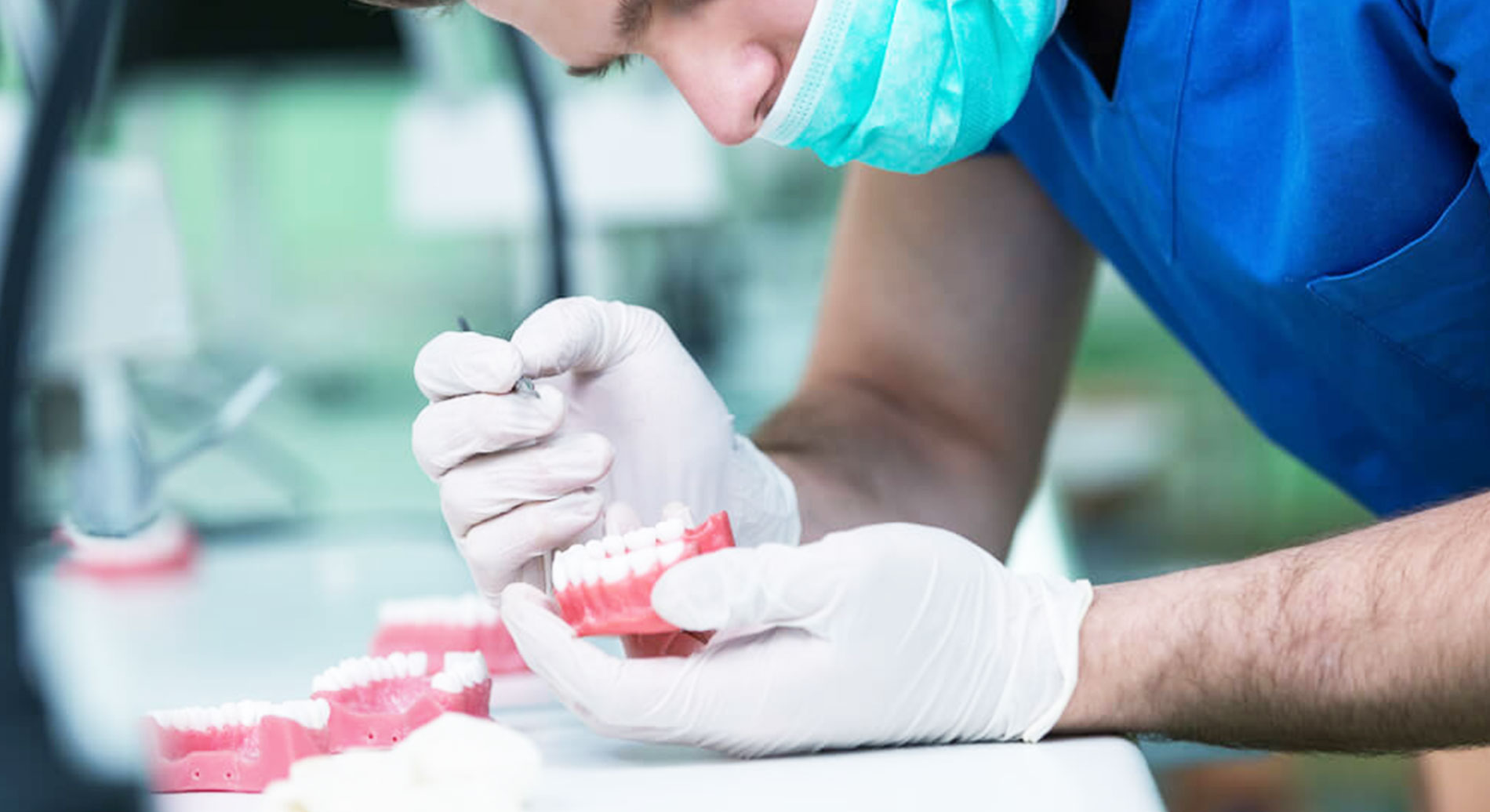 riparazioni dentali immediate per protesi e dentiere