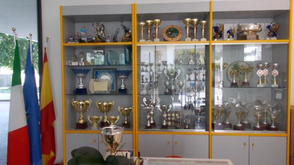 Negozio trofei e articoli regalo - Pordenone