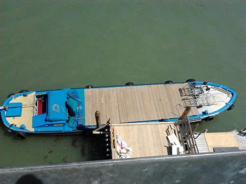 barca trasporto merci
