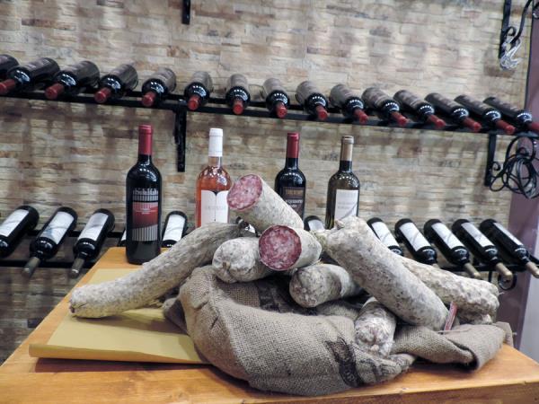 vendita salumi tipici umbri Assisi Perugia