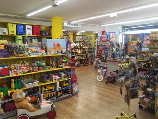 negozio giocattoli plastica