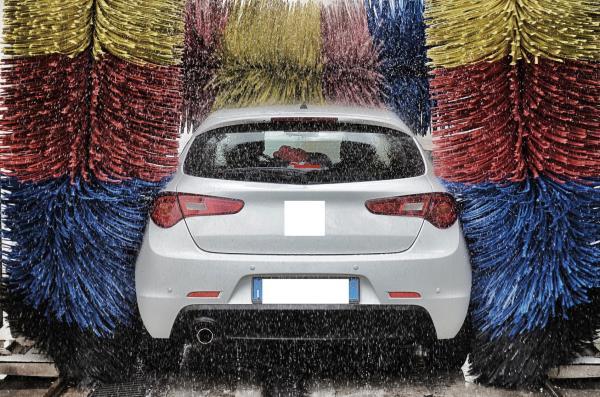 lavaggio auto automatico Trieste