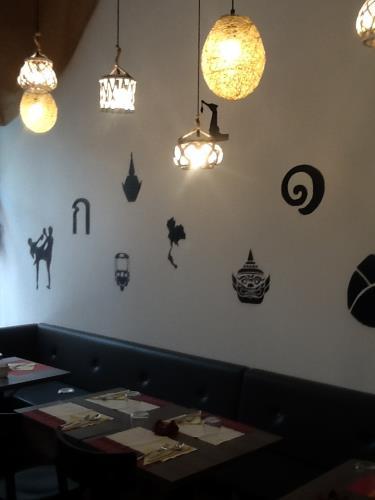 thai restaurant ancona