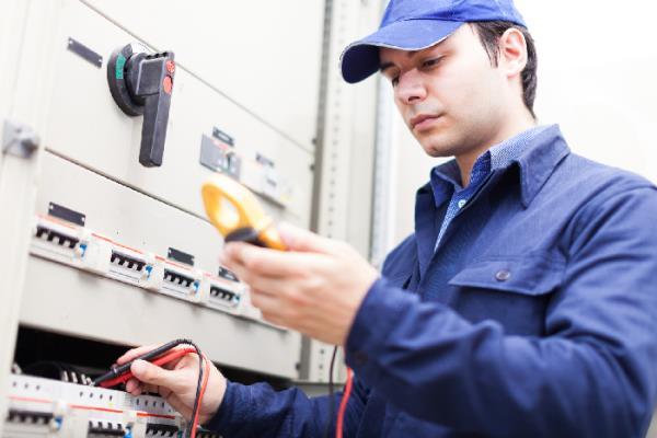 assistenza e manutenzione apparecchiature industriali