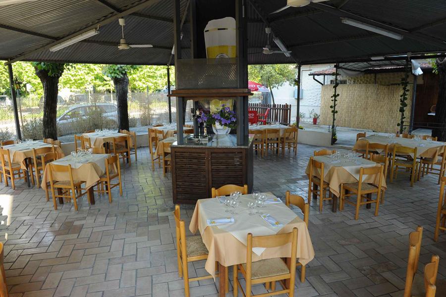 ristorante all'aperto terni
