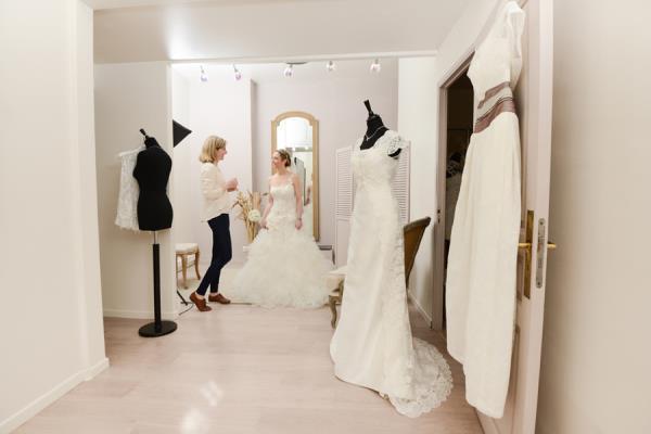 Modifica abiti da sposa e da sposo