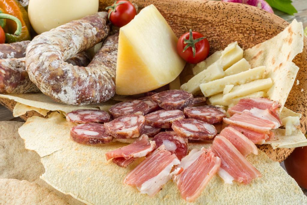 Salami, pancette e lardo