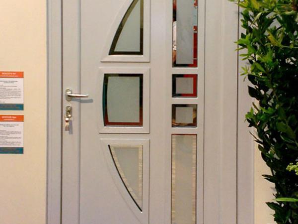Porte interne PVC, alluminio, legno