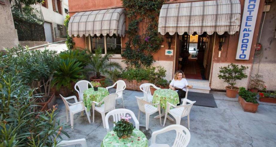 Hotel sul mare Imperia | Alberghi sul mare Imperia Porto Maurizio | HOTEL PENSIONE AL PORTO