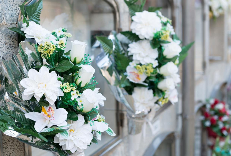 Lapidi e fiori